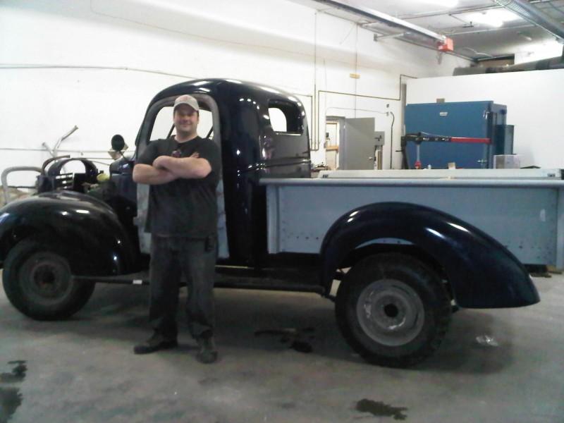 Steve Readman beside the GMC '41.