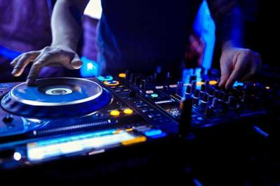 How To Become a DJ In Four Easy Steps