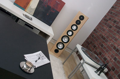 Axiom M80 Floorstanding Loudspeakers in Modern Maple Natural Finish